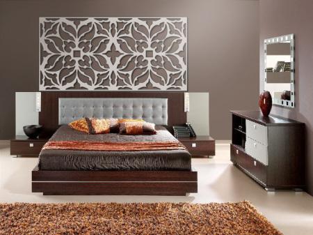 Celosias para cabeceros de cama en hotel, fabricada en madera y pintada en color blanco para una decoración moderna