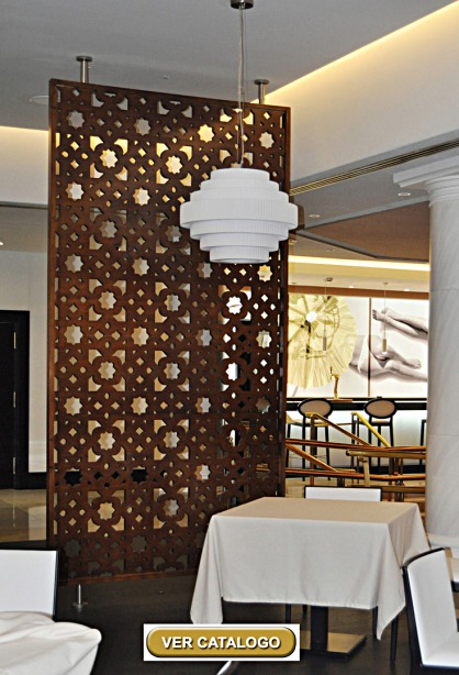 separadores de ambientes con celosias para un restaurante