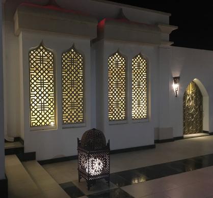 ventanas con celosias decorativas de aluminio