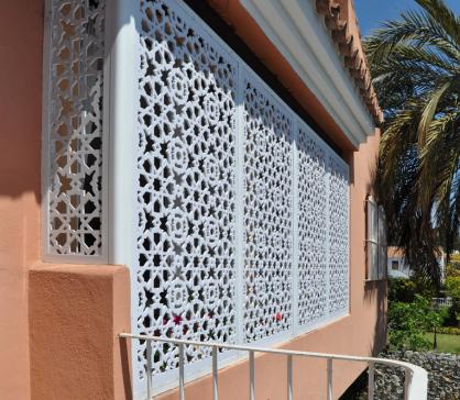 ventanas con celosias de aluminio