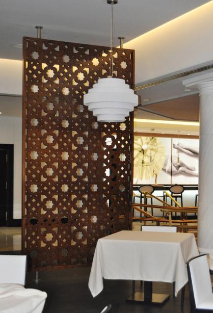 separadores de ambientes de salon de restaurante