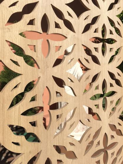celosia a medida fabricada en madera