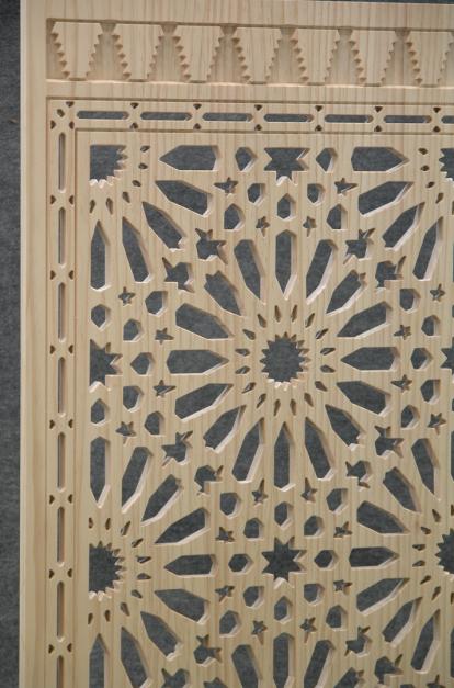 paneles decorativos con celosias en madera