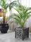 Mobiliario de jardin con maceteros